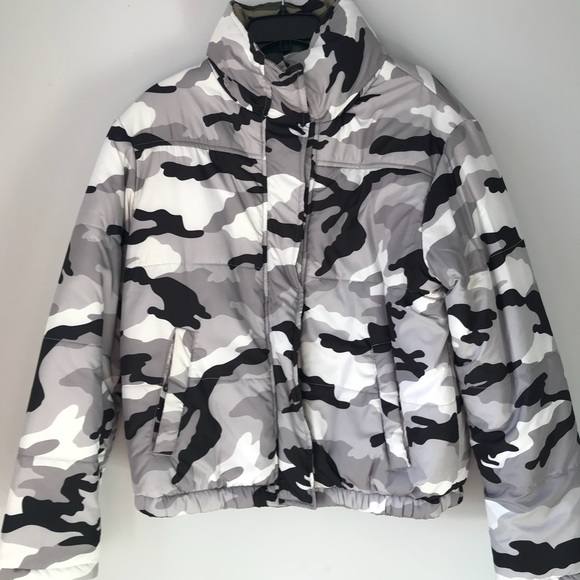988861056 Black & White Camo puffer jacket